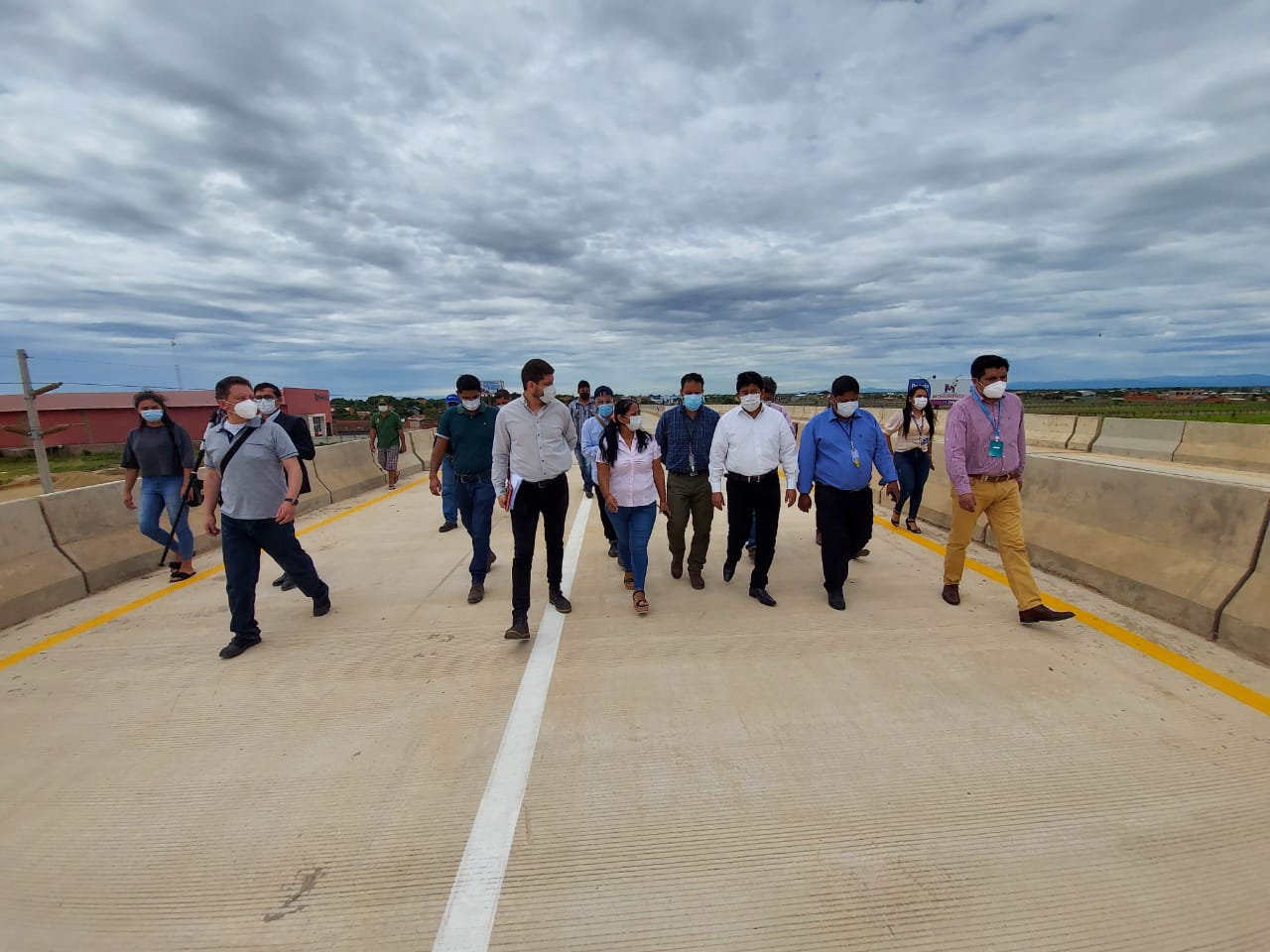 Montaño: Viaducto Santa Cruz – Warnes tiene 100% de avance, se ultiman  detalles para su inauguración -